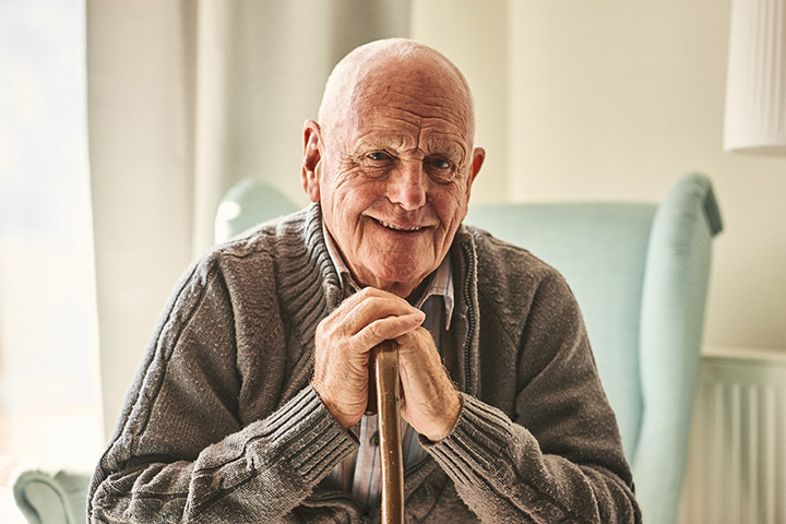 Les personnes âgées peuvent faire appel à une aide à domicile